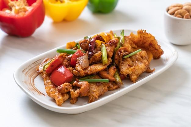 Roergebakken kip met cashewnoten