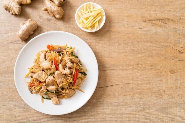 Roergebakken kip met gember