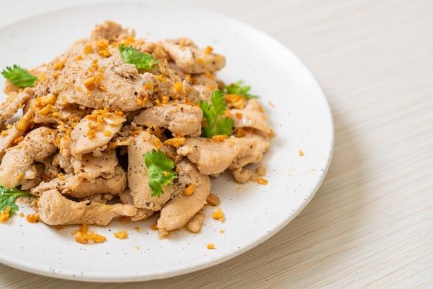 Roergebakken kip met knoflook en peper