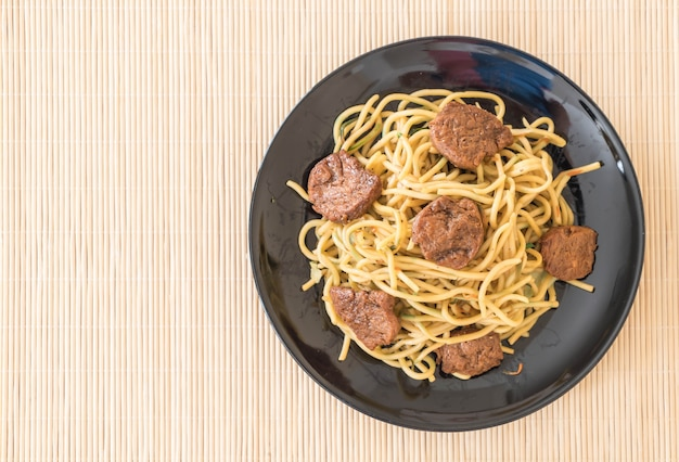 Roergebakken noodle - veganistisch eten