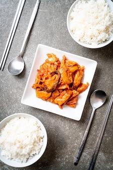 Roergebakken varkensvlees met kimchi - koreaanse stijl