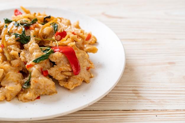 Roergebakken visballetjes met chili