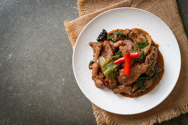 Roergebakken zwarte peper met eend - aziatisch eten