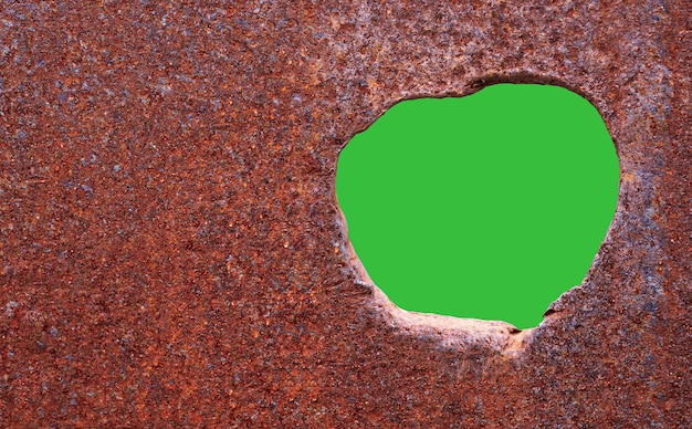 Roest van metalen corrosieve roest op oud ijzer met gaten gebruik als illustratie voor presentatiecorrosie