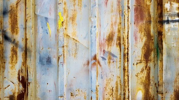 Roestig gegalvaniseerd blad. gegolfde metalen wand textuur, zink oude metalen wand achtergrond, vintage stijl, abstract.
