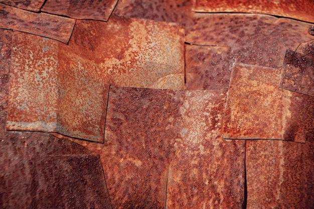 Roestige verweerde metalen patches. abstracte industriële achtergrond