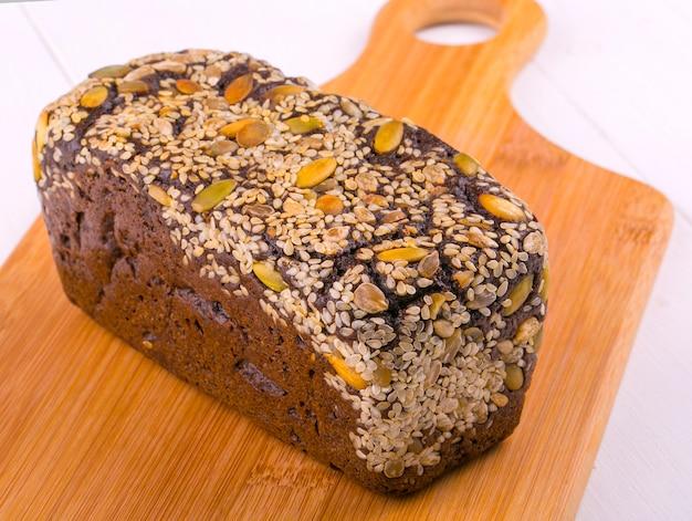 Roggebrood met noten en zaden