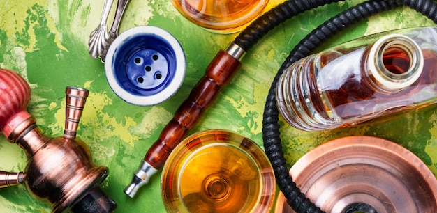 Roken waterpijp met cognac smaak