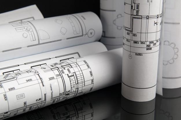 Rol van papier bouwkundige tekeningen en blauwdruk.