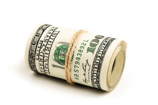 Roll van amerikaanse dollars, geïsoleerd.