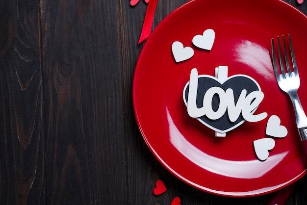 Romantische tabel instellen voor valentijnsdag