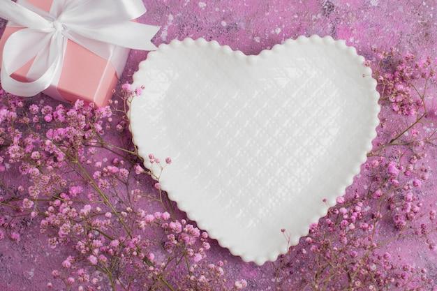 Romantische tafelsetting voor valentijnsdag.
