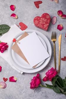 Romantische valentijnsdag tafelsetting