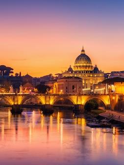 Rome, italië met st peter basilica van het vaticaan