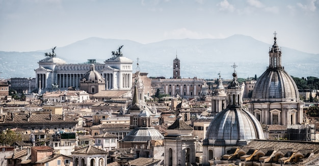 Rome, italië skyline in panoramisch uitzicht