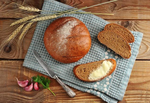 Rond brood en snijd in snijders