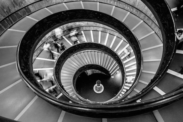 Ronde trappen in het vaticaans museum