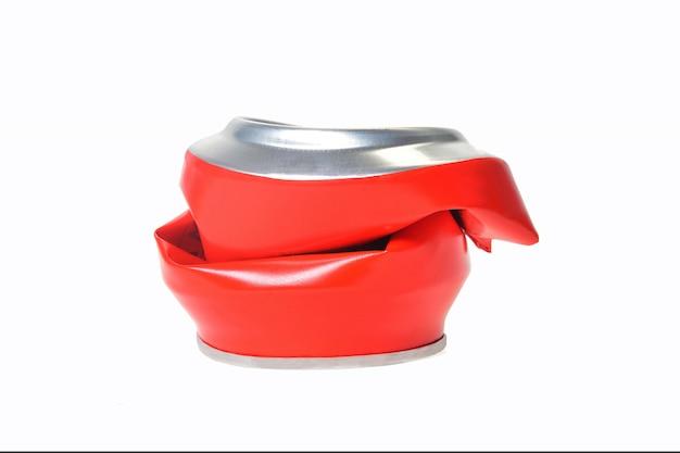 Rood aluminium kan platgedrukt worden
