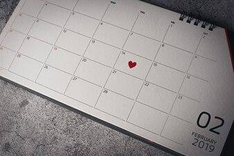 Rood hart in 14 februari op de kalender, Valentijnsdag concept