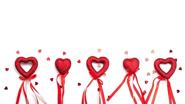 Rood hart op stick voor valentijnsdag