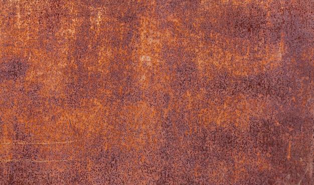 Rood oud geschilderd metaal