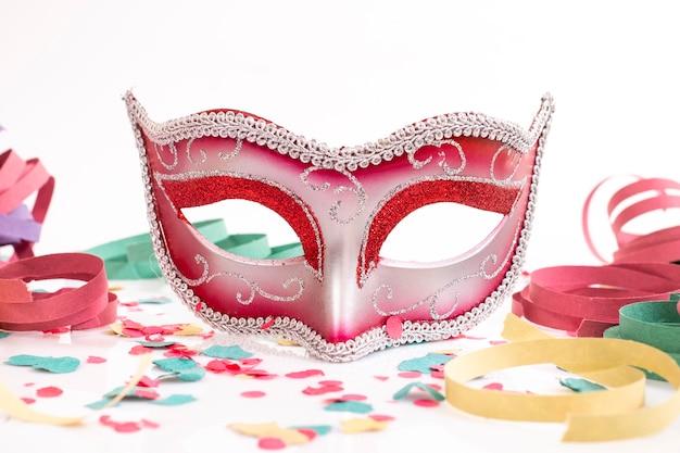 Rood venetiaans masker