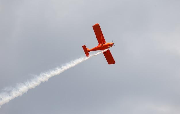 Rood vliegtuig