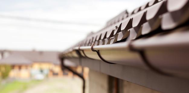 Rooftop gemaakt van metalen tegels