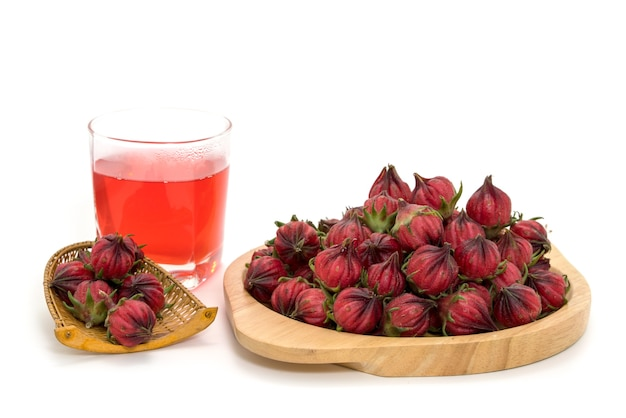 Roselle en hibiscus sap met verse roselle - een drankje voor een goede gezondheid