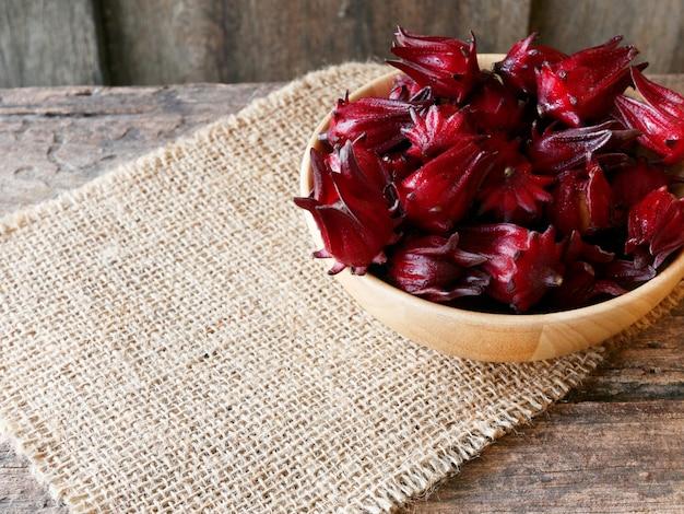 Roselle goede eigenschappen verlagen de bloeddruk, voeden het hart