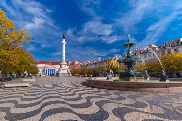 Rossio-plein met golvend patroon, lissabon, portugal
