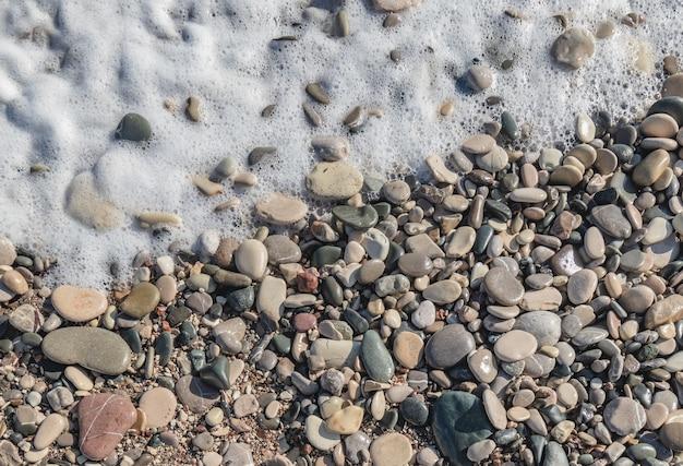 Rotsen en stenen op het strandpatroon