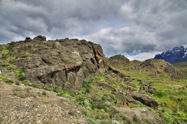 Rotsen in torres del paine national park, patagonië, chili