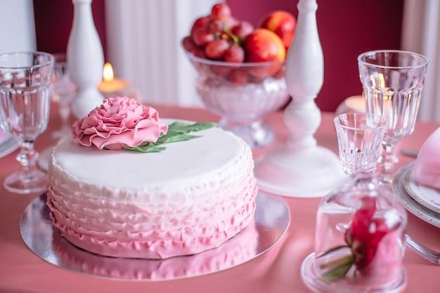 Roze bruidstaart