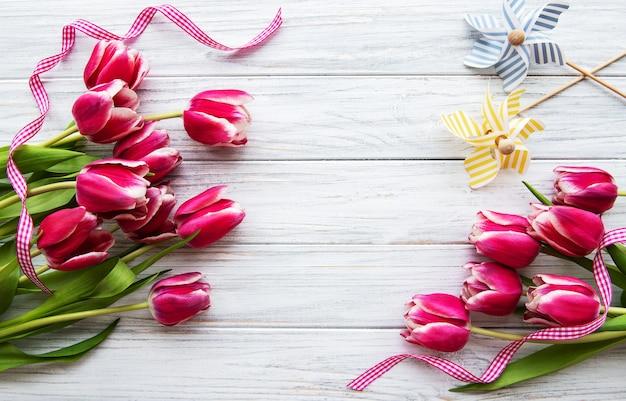 Roze de lentetulpen