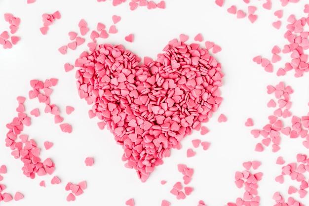 Roze hartvormige hagelslag