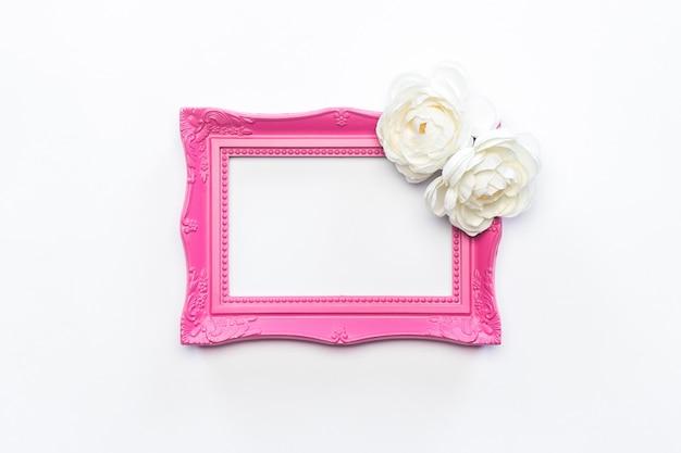 Roze kader witte bloembloem achtergrondwijnoogst