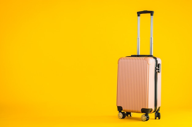 Roze kleurbagage of bagagetas gebruiken voor transportreizen