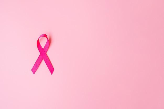 Roze lint op roze achtergrond