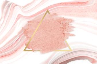 Roze lippenstiftvlek
