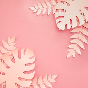 Roze monstera kunstmatige zelfgemaakte bladeren bovenaanzicht