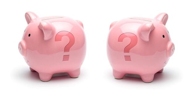 Roze spaarvarken met vraagteken symbool geïsoleerd op een witte achtergrond. concept hoe u geld kunt besparen.