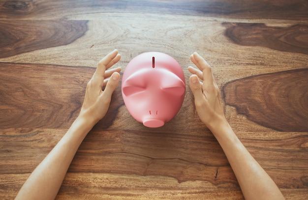 Roze spaarvarken, spaarconcept. 3d-rendering illustratie