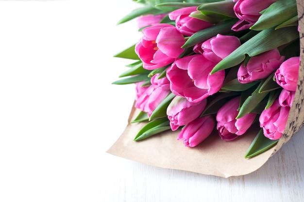 Roze tulpen boeket