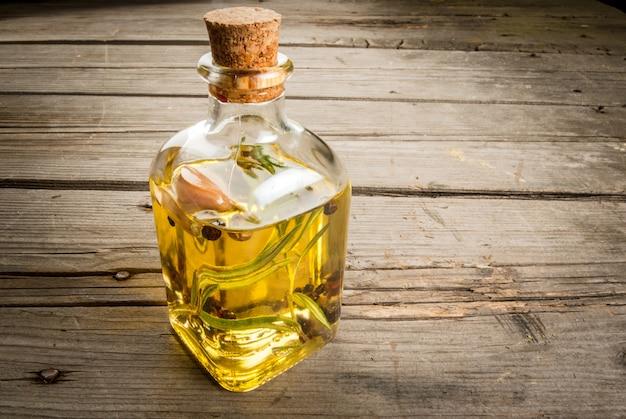 Rozemarijn etherische olie pot glazen fles