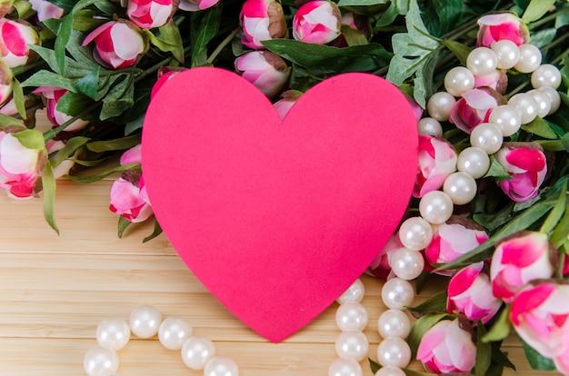 Rozen en hartvormkaart voor uw bericht