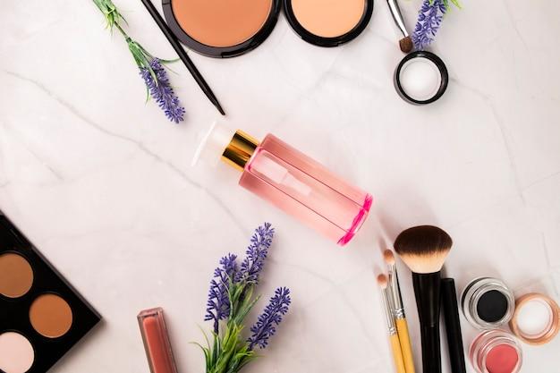 Rozenolie, make-up verwijderen, decoratieve cosmetica en penselen, visagist, gereedschappen