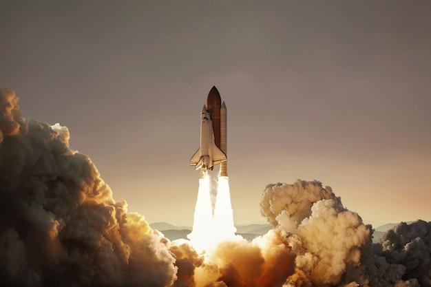 Ruimteschip stijgt op in de lucht