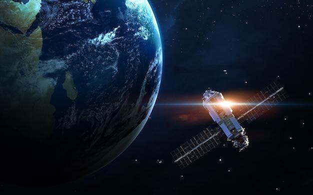 Ruimtevaartuigen lanceren in de ruimte. .