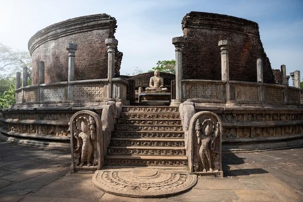 Ruïnes van de historische stad polonnaruwa, sri lanka